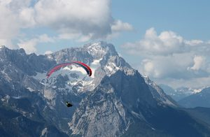 Para-gliding in the Alps